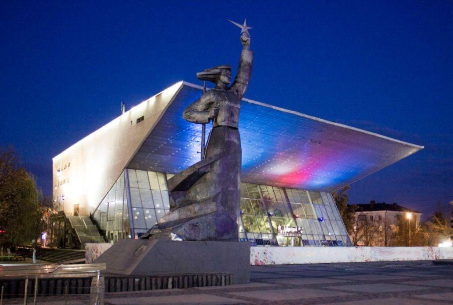 Монумент Аврора фото