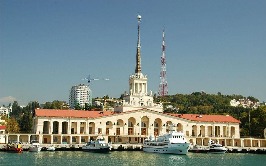Морской вокзал в Сочи фото