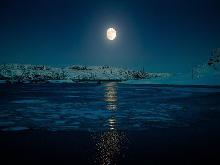Ночной пейзаж Мурманской области фото
