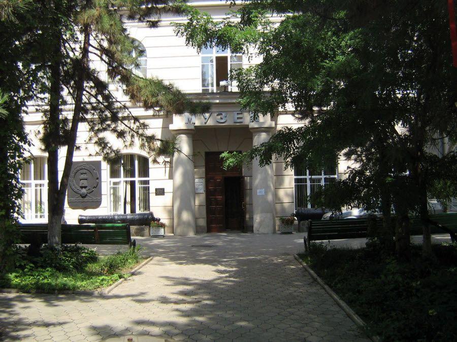 Ростовский краеведческий музей фото