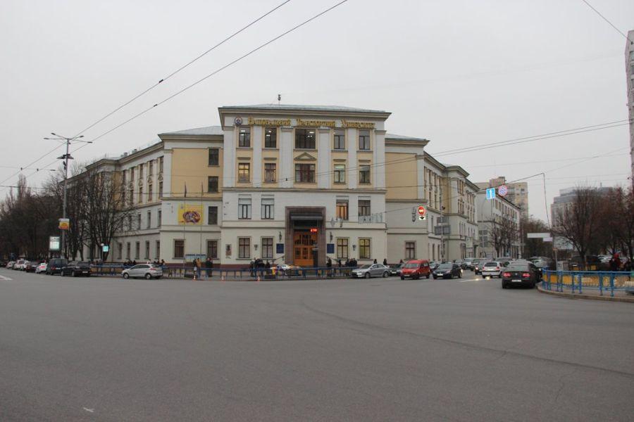 Национальный транспортный университет фото