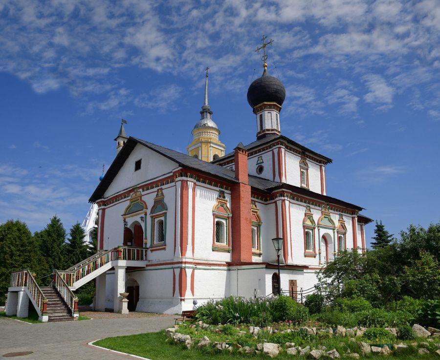 Ново-Голутвин монастырь фото