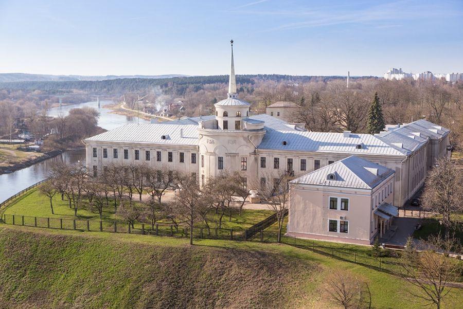 Новый замок в Гродно фото