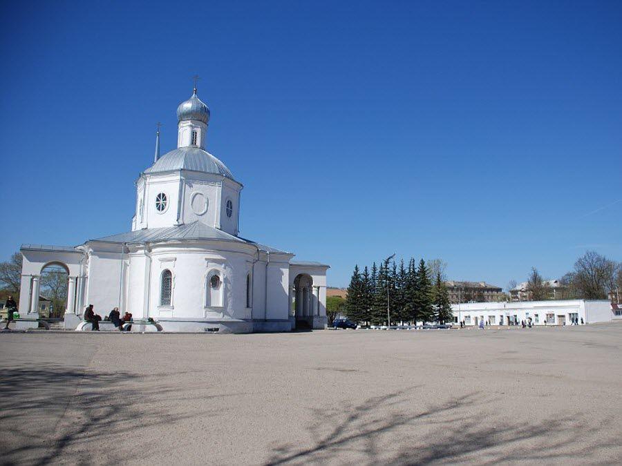 Фото церкви в городе Остров