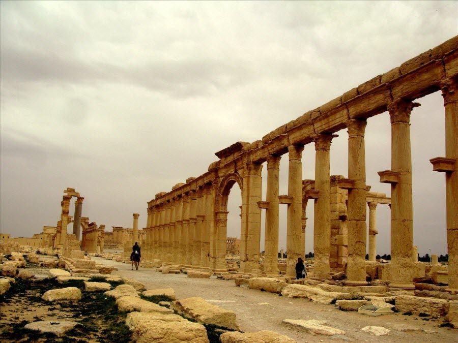Фото величественные руины Пальмиры в Сирии