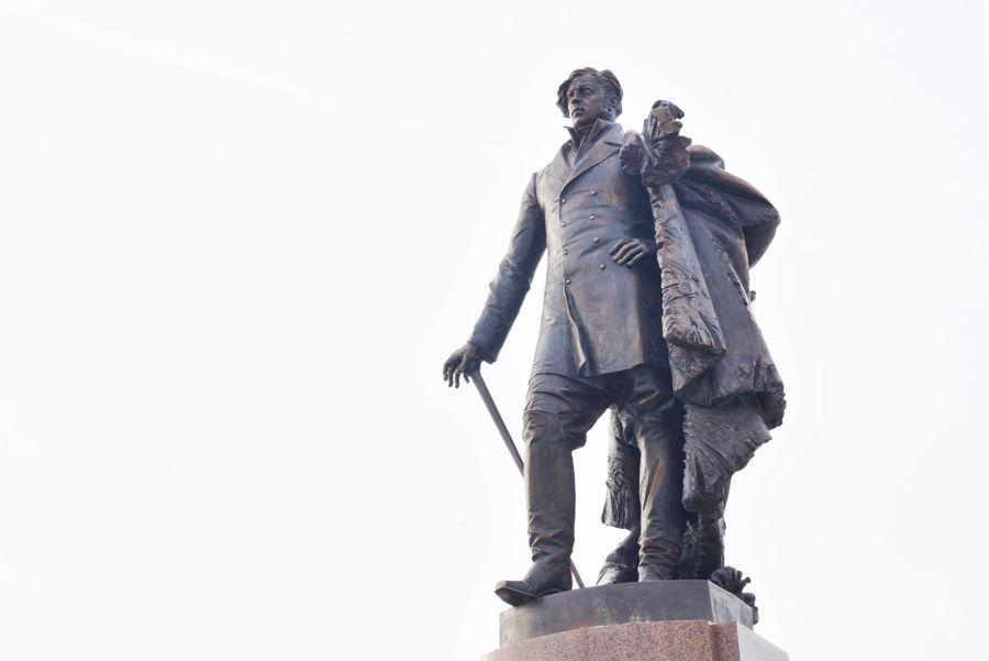 Памятник Александру Степанову фото