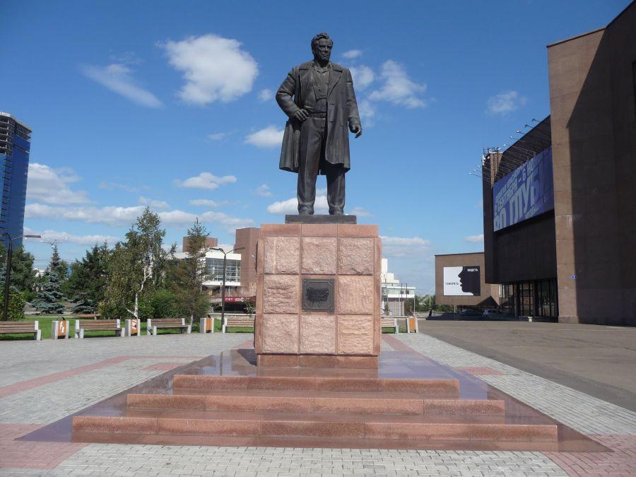 Памятник В. П. Астафьеву фото