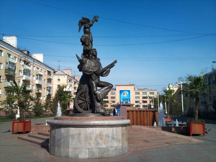 Памятник Бременские музыканты фото