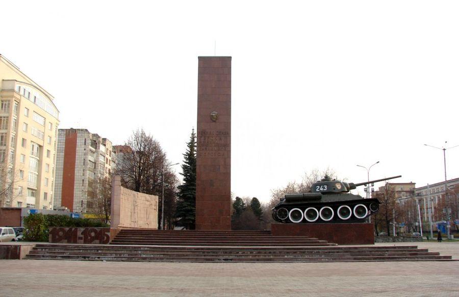 Памятник Уральскому добровольческому корпусу фото