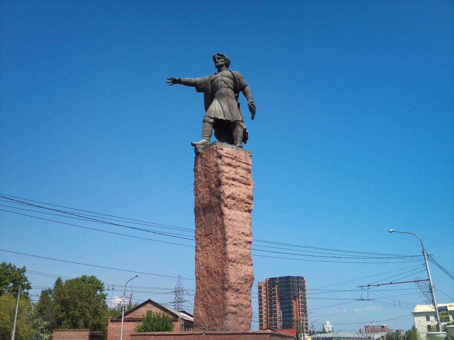 Фотография Памятник воеводе Андрею Дубенскому