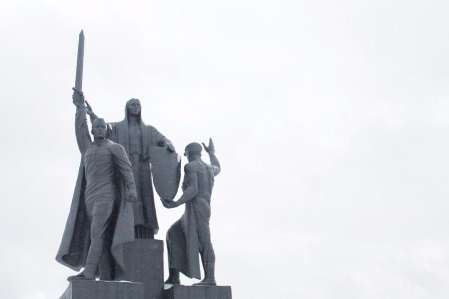 Фотография Памятник героям фронта и тыла