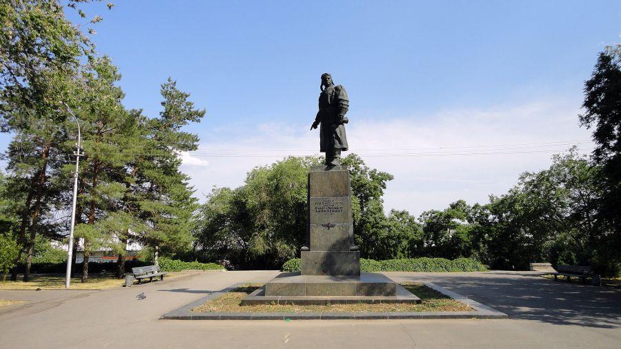 Памятник В. С. Хользунову фото