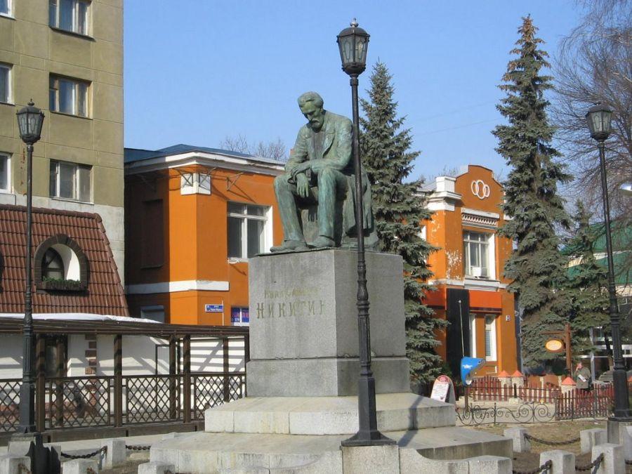 Фотография Памятник поэту И. С. Никитину