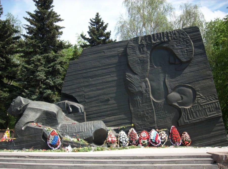 Памятник Славы фото