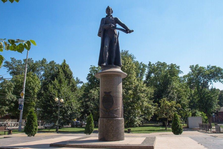Памятник А. В. Суворову фото