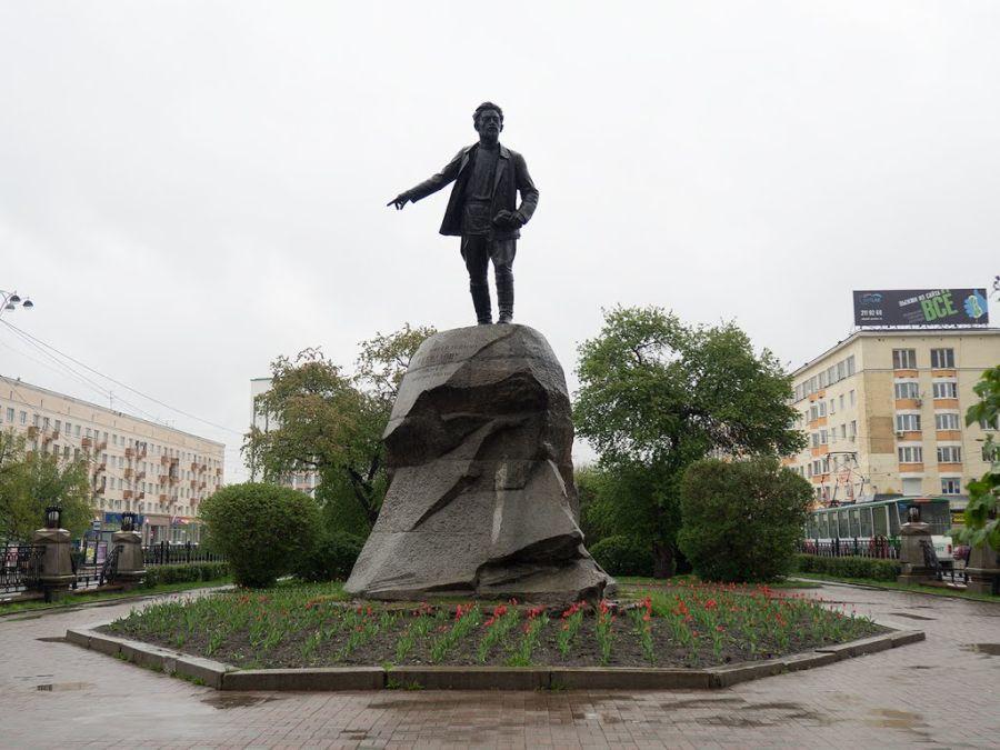 Фотография Памятник Свердлову