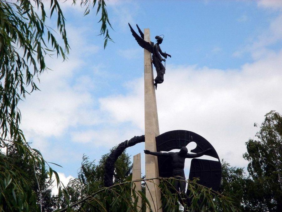 Памятник Сынам Кубани, павшим в Афганистане фото