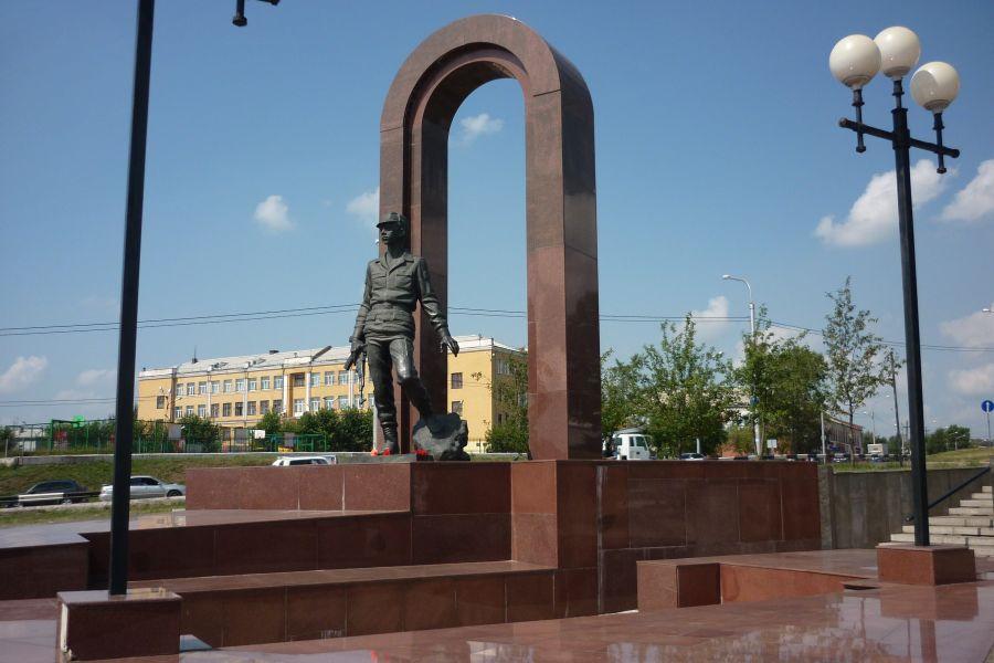 Памятник воинам-интернационалистам фото