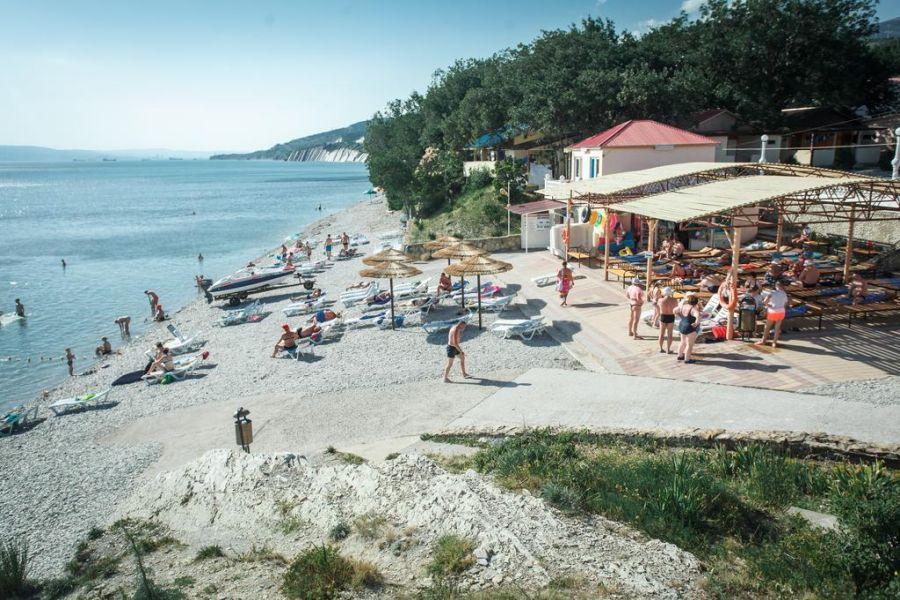 Пляж при оздоровительном комплексе Лазурный фото