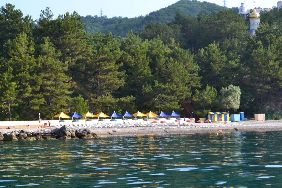 Пляж при санатории Зеленая долина фото