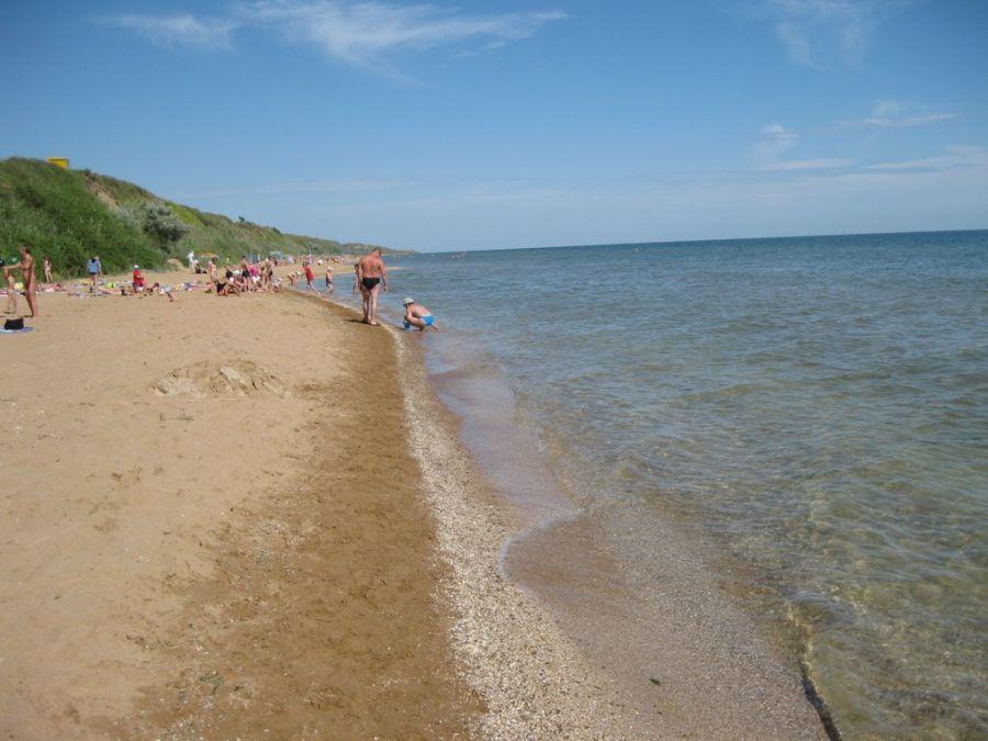 Пляж, лежащий в сторону поселка За родину фото