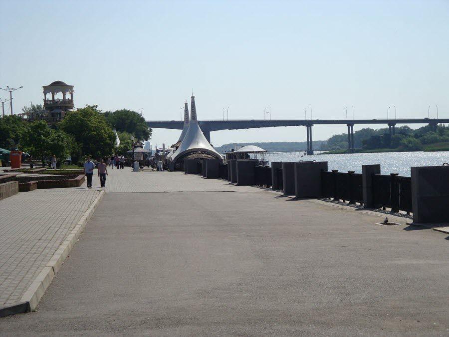Вид с набережной Дона в Ростове-на-Дону фото