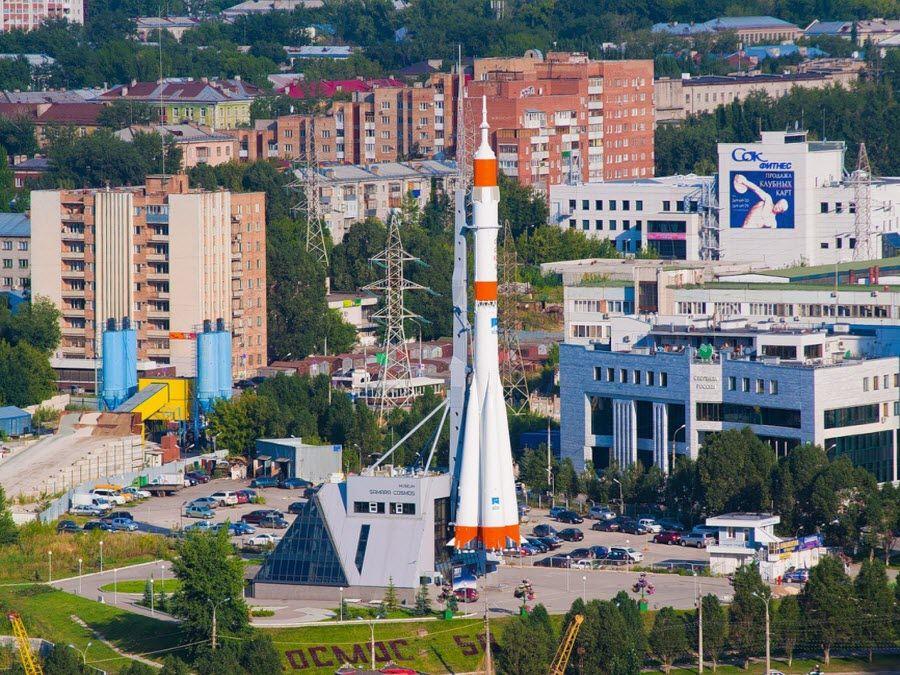 Фото Памятный комплекс ракеты-носителя «Союз» панорама