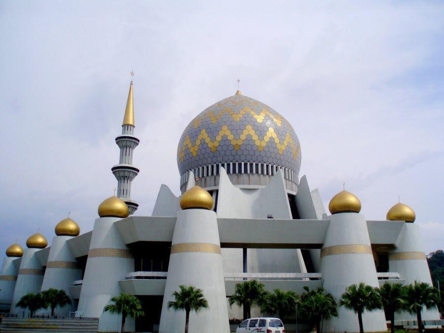 Фото старинной мечети в Сабахе