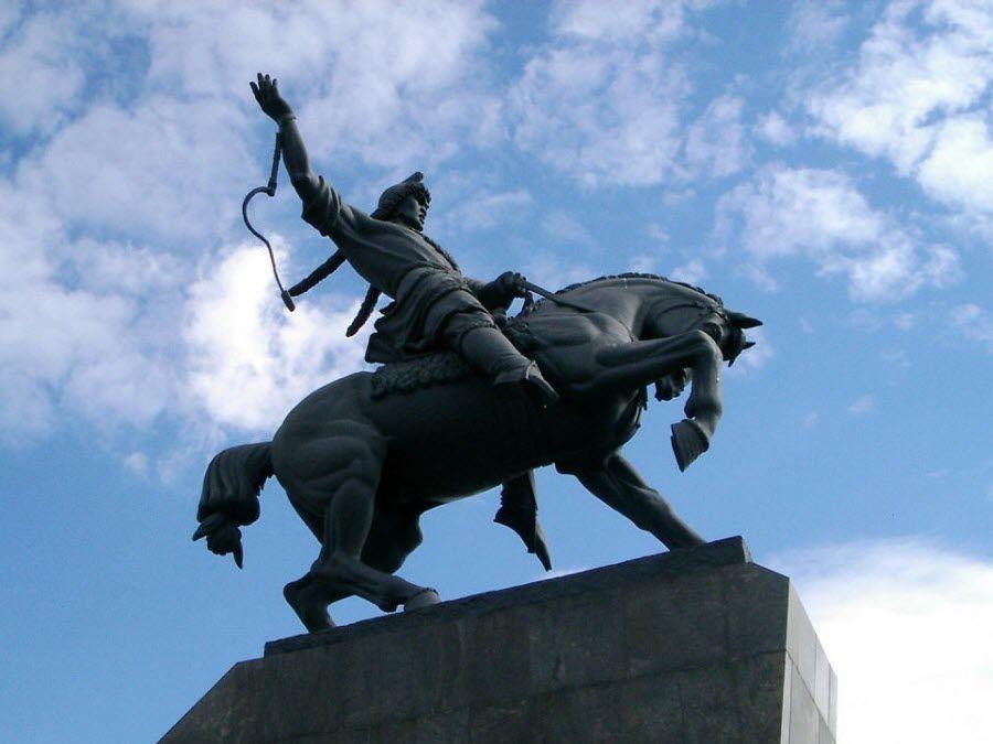 Фото Памятник Салавату Юлаеву