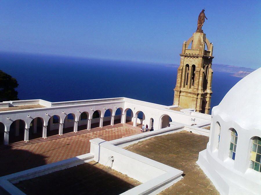 Фото потрясающий вид на океан с мечети Оран в Алжире