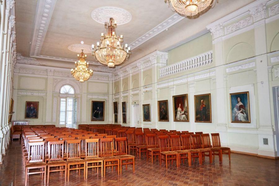 Симферопольский художественный музей фото