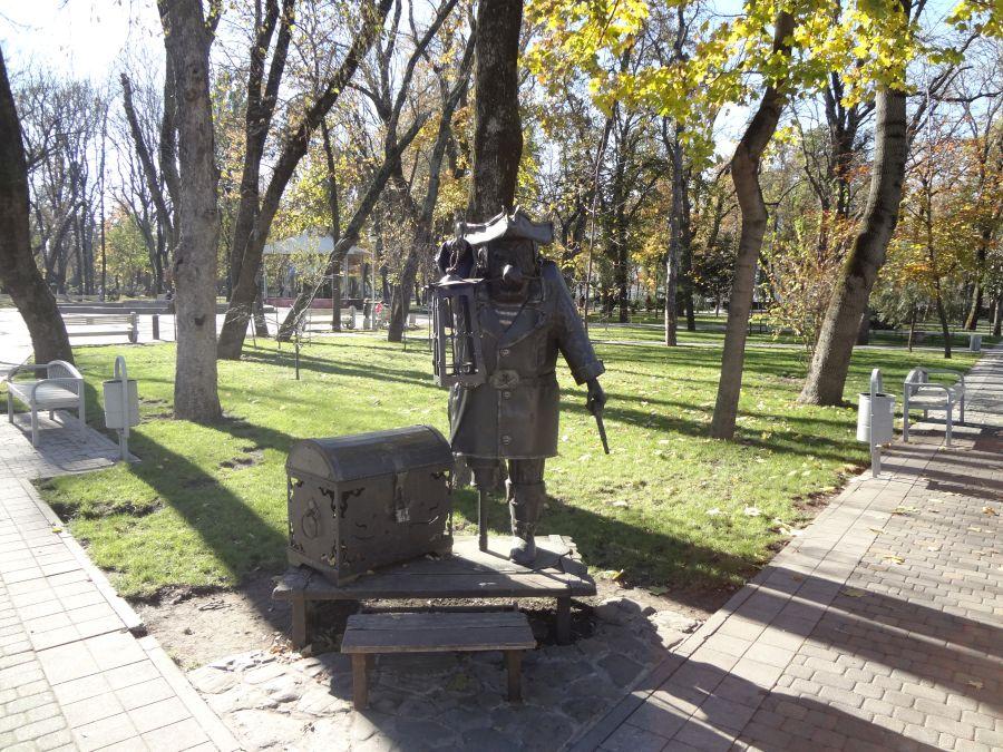 Скульптура Пират фото