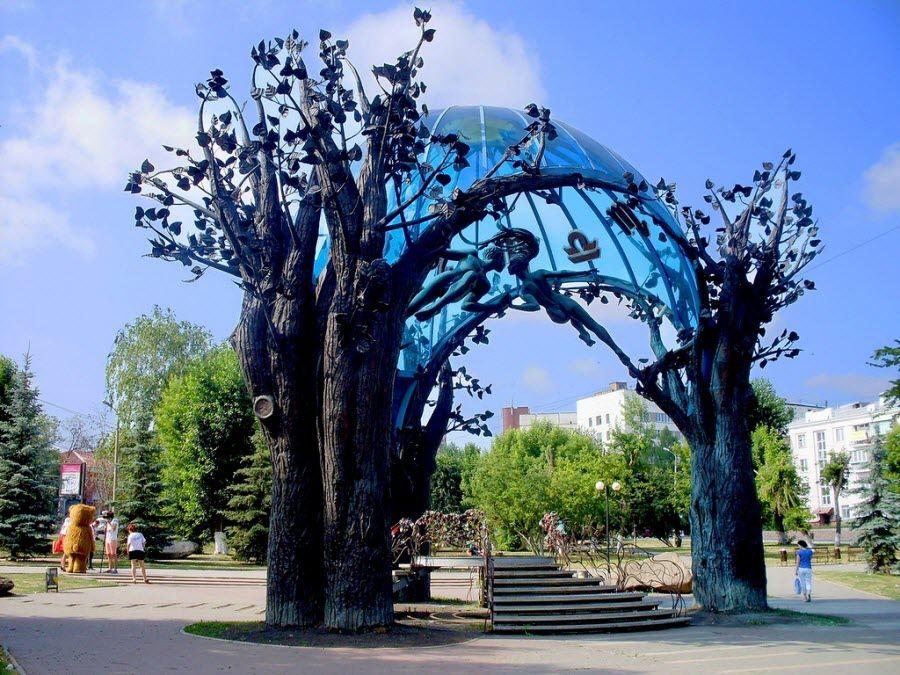 Фото Скульптура «Сфера любви»