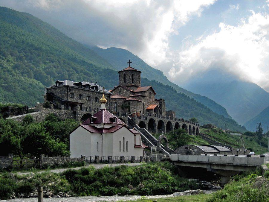 Свято-Успенский монастырь фото