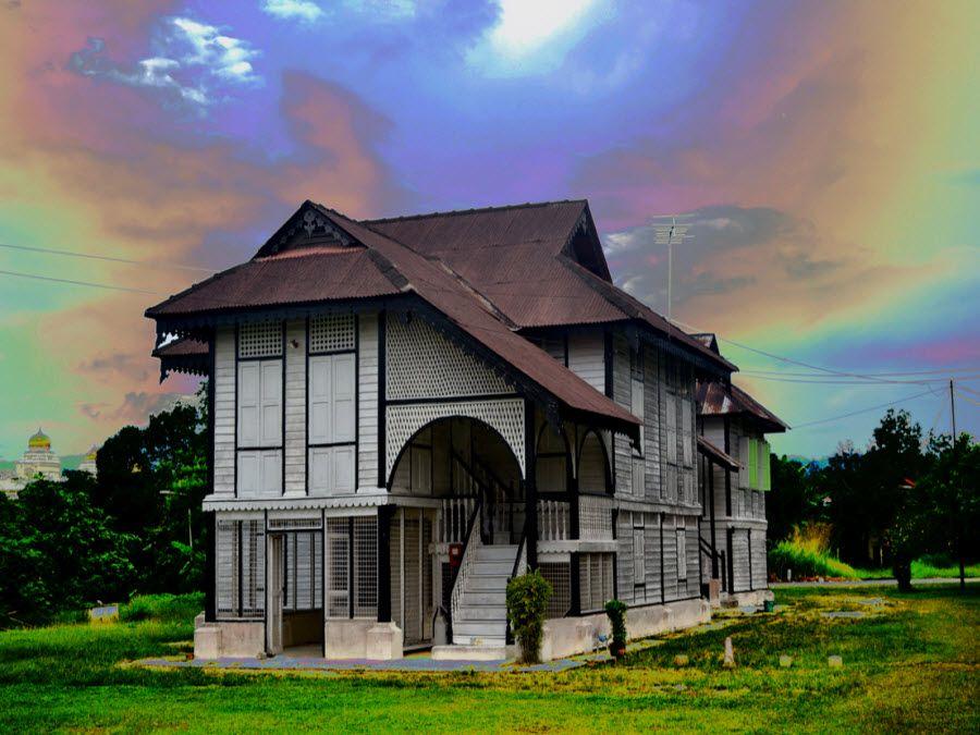 Фото церковь Гамбар в долине Беренти Тауланару