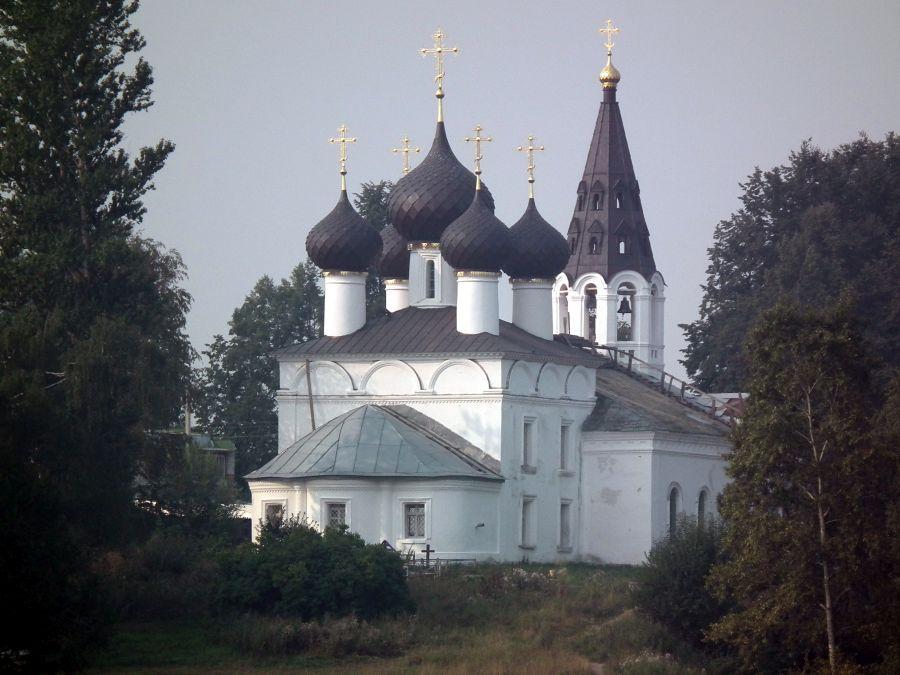 Троицкая церковь фото