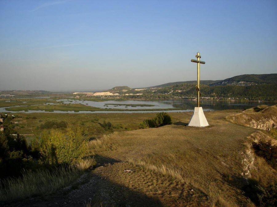 Фото креста на Царевом Кургане