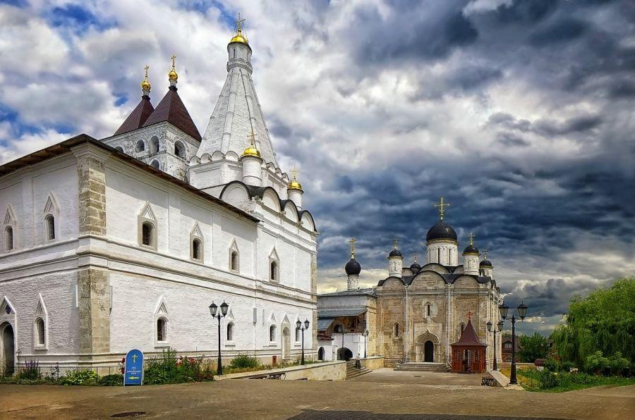 Введенский Владычный монастырь фото