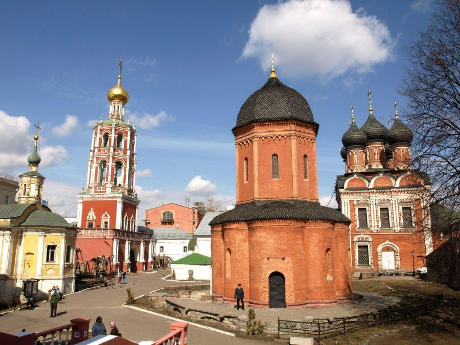 Высоко-Петровский монастырь фото