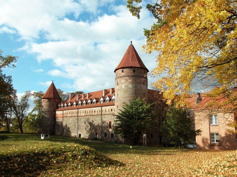 Замок Бытув фото