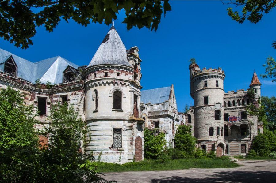 Замок Храповицкого фото