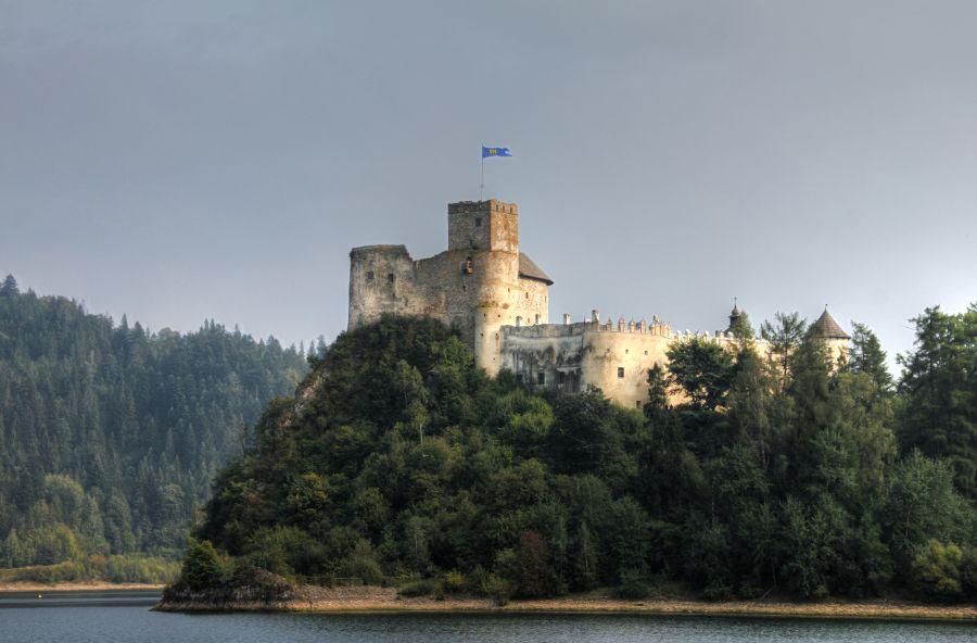 Замок Недзица фото