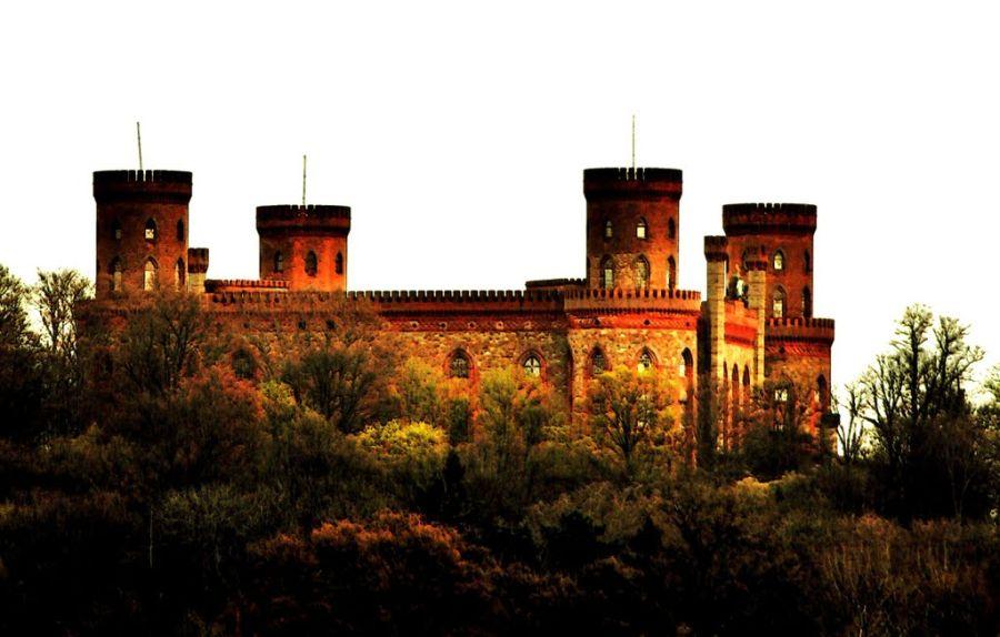 Замок в Каменец-Зомбовицки фото