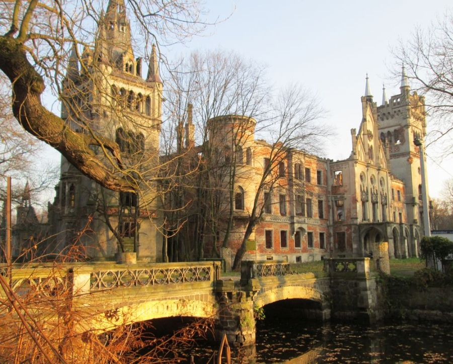 Замок в Копице фото