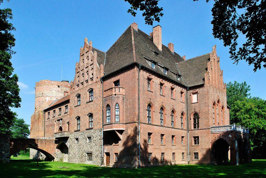 Замок в Пензино фото