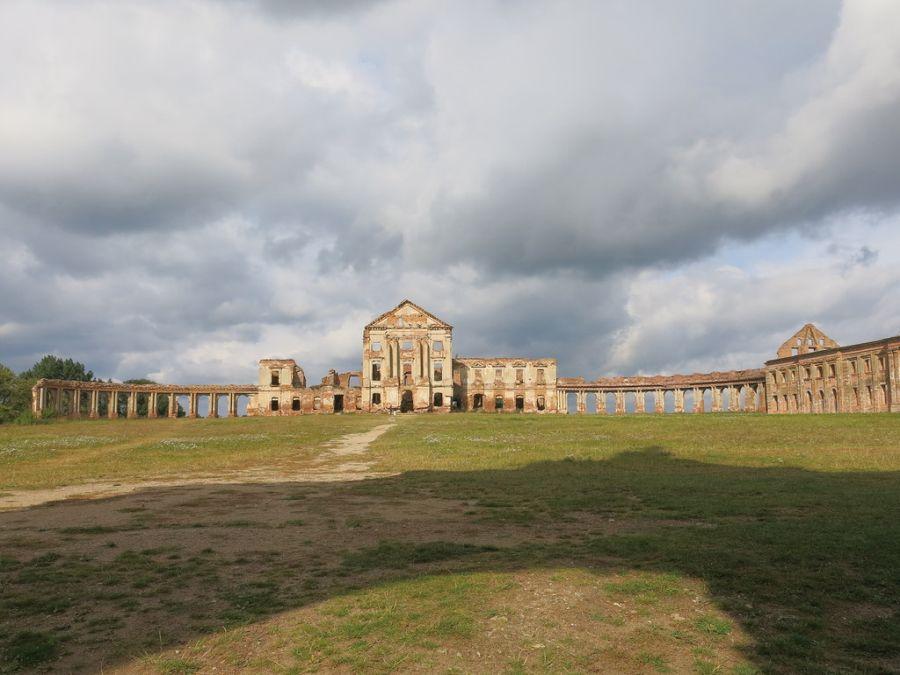 Замок в Ружанах фото