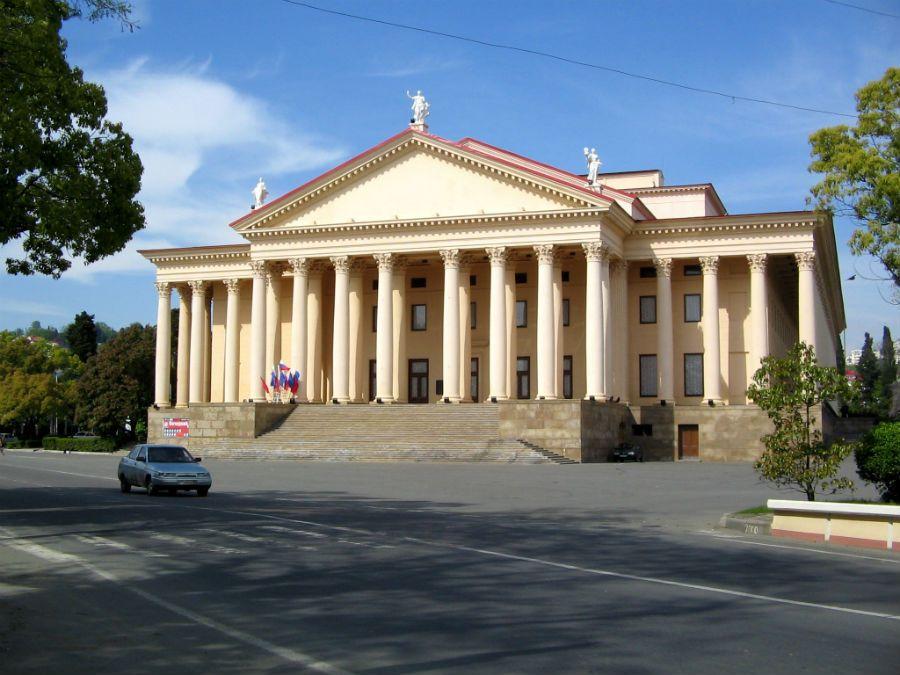 Зимний театр фото