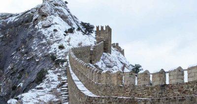 Генуэзская крепость Кафа зимой