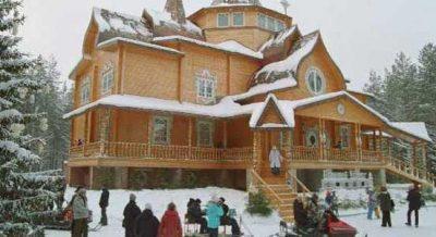 2 Как выглядит сказочный дом в Великом Устюге